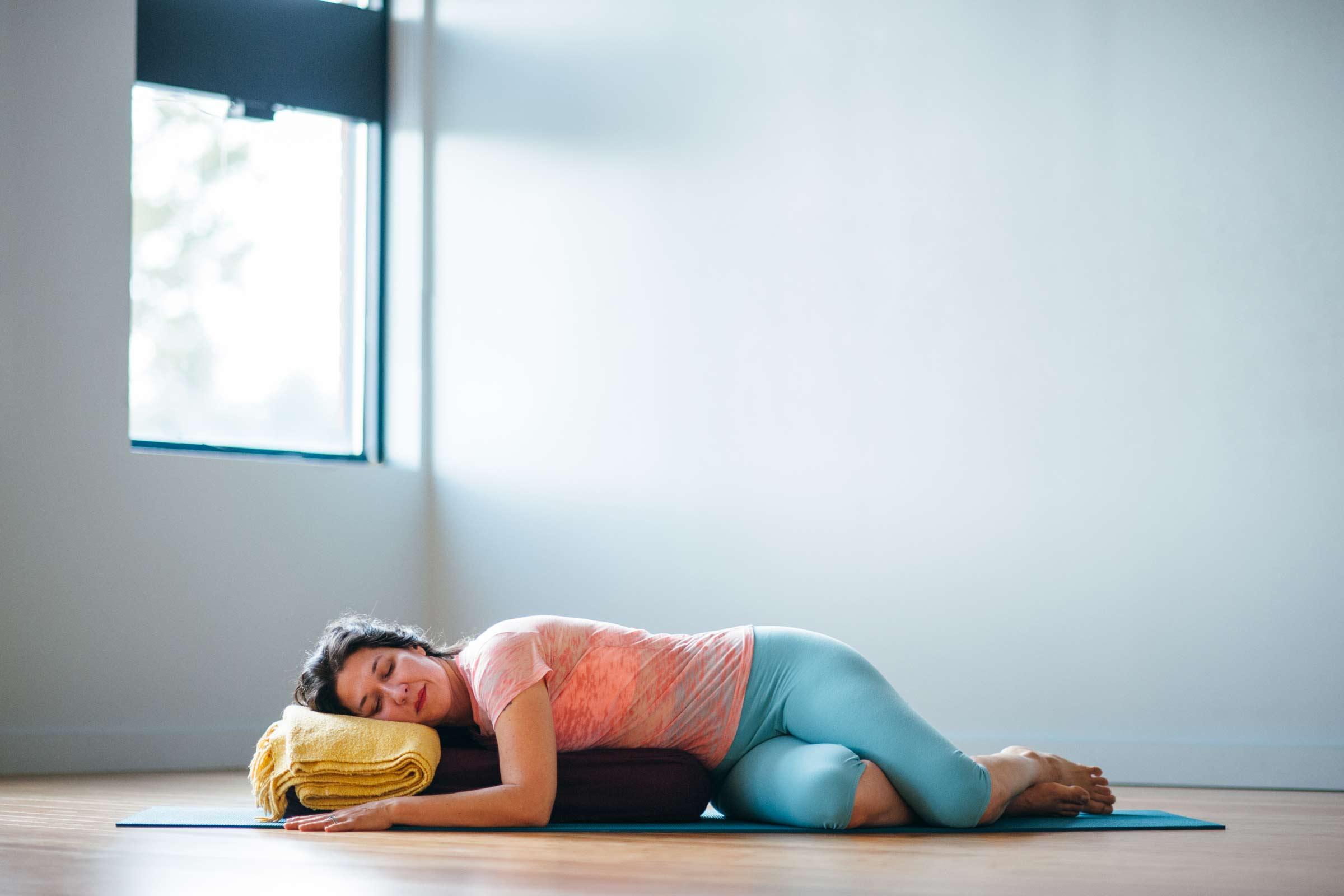 Supta Bharadvajasana |Live Yoga Now