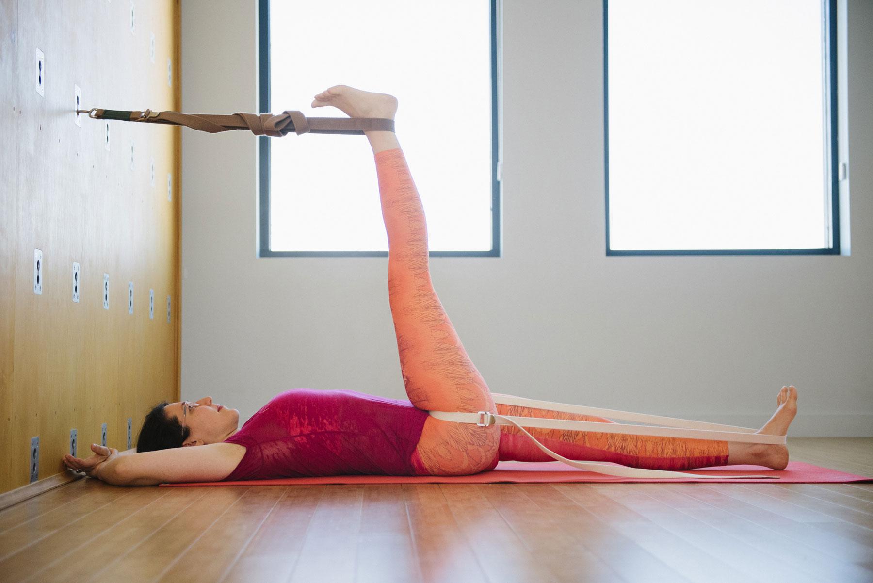 Supta Padangusthasana in Traction | Purna Yoga 828